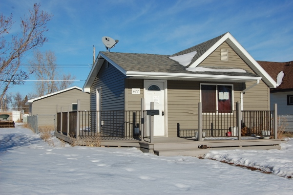 $99,000: CUTE STARTER HOME - Beagle Properties